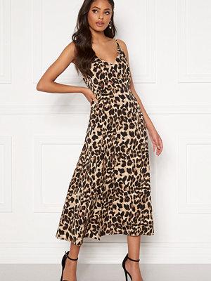 Sandra Willer X Bubbleroom Slit dress Leopard