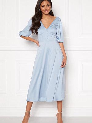 Sandra Willer X Bubbleroom Puff sleeve dress