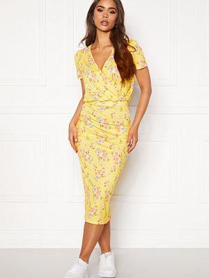 Bubbleroom Becky wrap dress