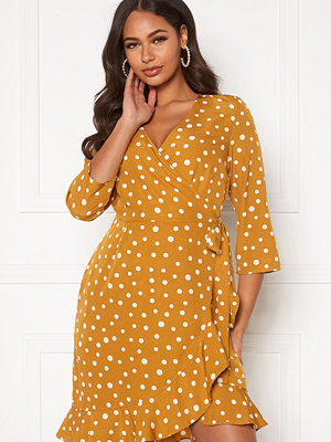 Vero Moda Henna 3/4 Wrap Dress Harvest Gold, AOP Wh