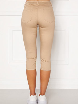 Vila beige byxor Commit Capri Pants