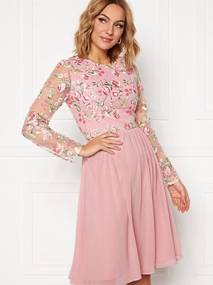Chi Chi London Bee embroidered MidiDress Nude
