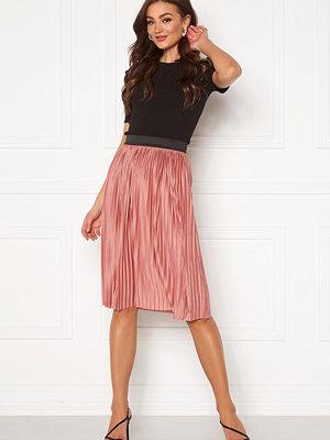Jacqueline de Yong Boa Skirt