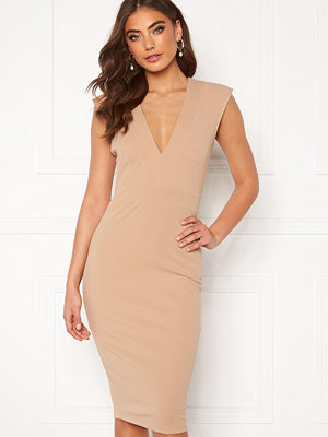 Alexandra Nilsson X Bubbleroom Power shoulder dress Beige