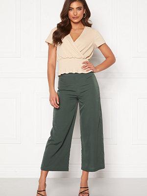Bubbleroom omönstrade byxor Maja culotte trousers Green