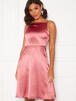 Moments New York Laylani Satin Dress Pink