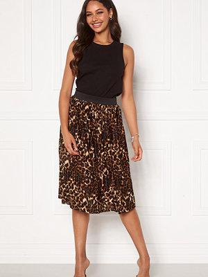 Jacqueline de Yong Boa Skirt Black Leo