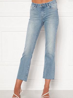 Vero Moda Sheila Kick Flare Jeans Light Blue Denim