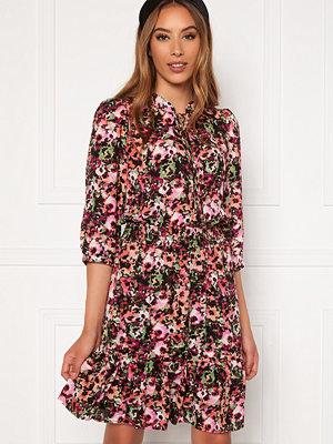 Only Lavin 3/4 Short Dress Black AOP Neon Flowe