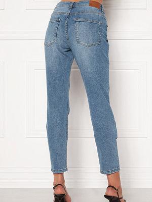 Jacqueline de Yong Newtyson Girlfriend Jeans