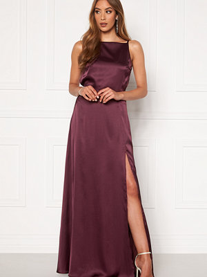 Moments New York Laylani Satin Gown Wine-red