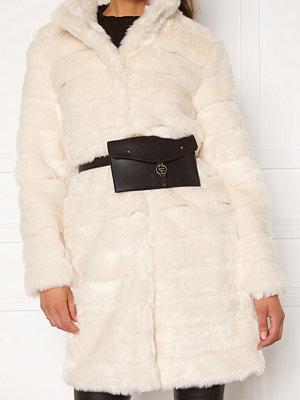 Chiara Forthi svart väska Mercedes belt bag