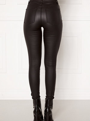 Object svarta byxor Belle MW Coated Pants