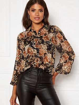 Skjortor - Sisters Point Ebbey Shirt 801 Black/Flower