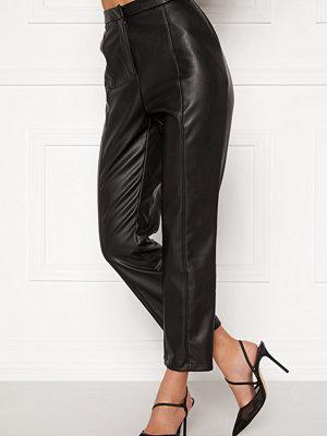 Bubbleroom svarta byxor Mina PU trousers Black
