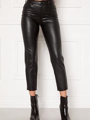 Only svarta byxor Emily HW Faux Leather Black