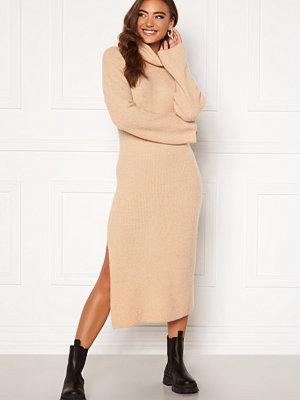 Moa Mattsson X Bubbleroom Knitted high slit midi dress