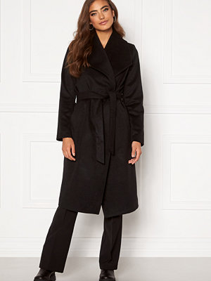 Moa Mattsson X Bubbleroom Pointy collar coat Black