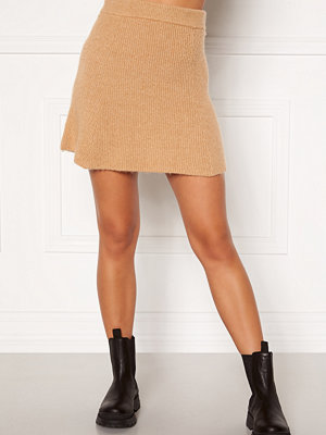 Moa Mattsson X Bubbleroom Knitted short skirt Camel