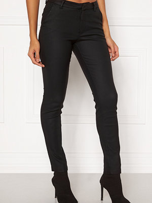 Vero Moda svarta byxor Leah MR Classic Coated Pant COLOR