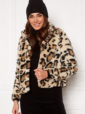 Vero Moda Thea Leo Short Faux Fur
