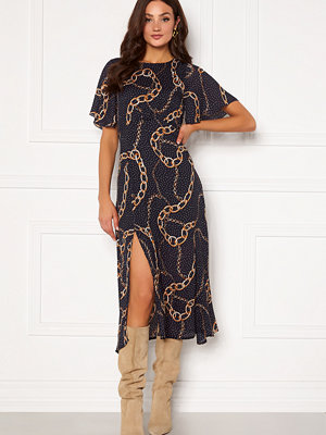 Girl In Mind Britney Angel Sleeve Split Leg Midi Dress Navy chain print