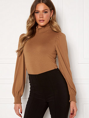 Only Elva L/S Smock Top Toasted Coconut