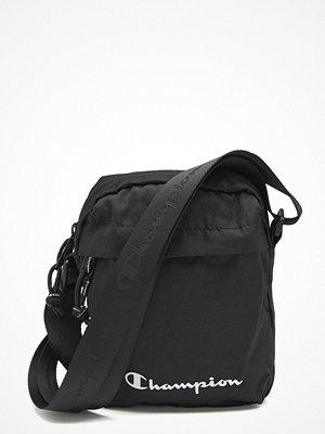 Champion svart axelväska Medium Shoulder Bag KK001 NBK