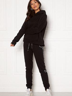 Kendall + Kylie svarta byxor K&K W Jogging Script Black