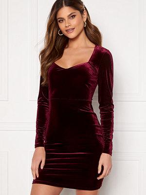 Bubbleroom Joan velvet dress