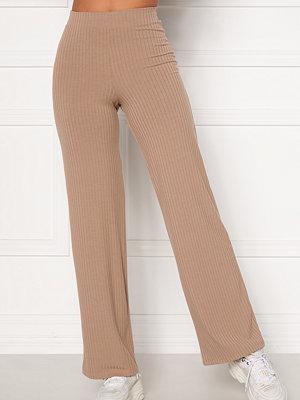 Bubbleroom beige byxor Alanya rib trousers