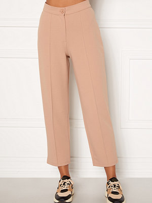 Bubbleroom beige byxor Joanna soft suit pants