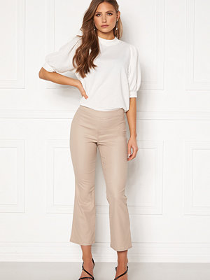 Vila omönstrade byxor Commit Coated HWSL Cropped Pants Simply Taupe