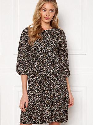 Only Zille Naya 3/4 Short Dress