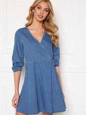 Vero Moda Henna 3/4 Wrap Dress Light Blue Denim
