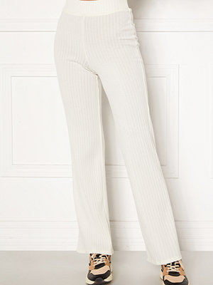 Bubbleroom vita byxor Miley knitted trousers