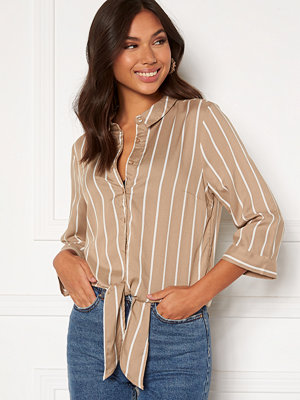 Happy Holly Juliette ss knot shirt Beige / Offwhite