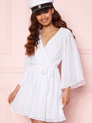 Bubbleroom Fayme pleated sleeve dress White