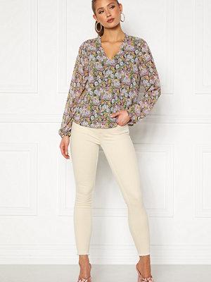 Only Ellie L/S V-Neck Top Wvn Black, Pastel Flower