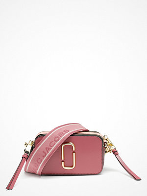 The Marc Jacobs rosa axelväska Snapshot Dusty Ruby Multi 517