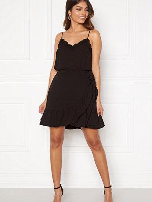 Vero Moda Cita Bobble Wrap Skirt Black