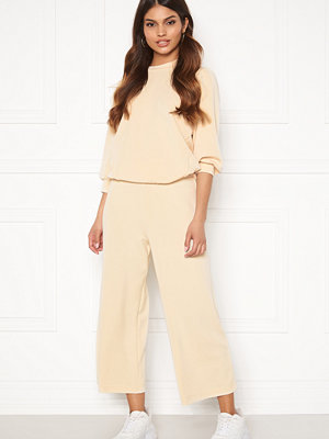 Selected Femme omönstrade byxor Tenny MW Cropped Wide Pant