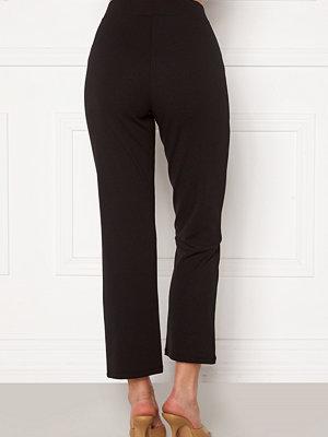 Bubbleroom svarta byxor Sherin soft kickflare trousers Black