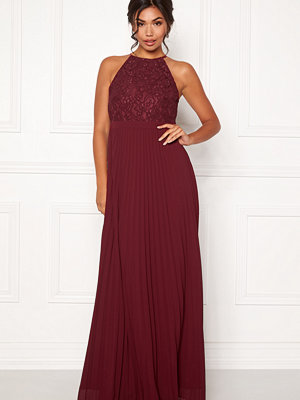 Moments New York Casia Pleated Gown