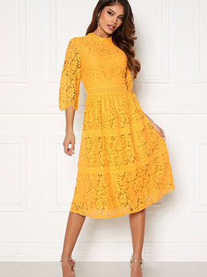 Happy Holly Madison lace dress Yellow