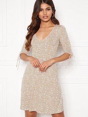 Bubbleroom Natalee dress Beige / Floral
