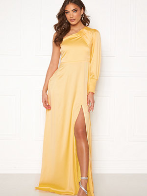 Alexandra Nilsson X Bubbleroom One sleeve gown Yellow