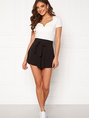 Bubbleroom Emmie shorts Black