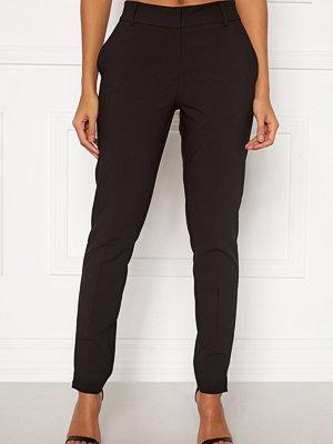 Selected Femme svarta byxor Rita MW Slim Pants Black