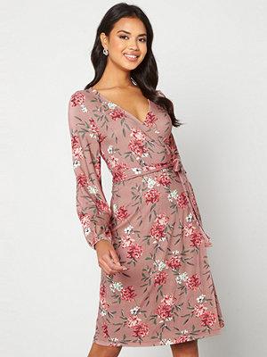 Happy Holly Amanda puff sleeve dress Pink / Floral